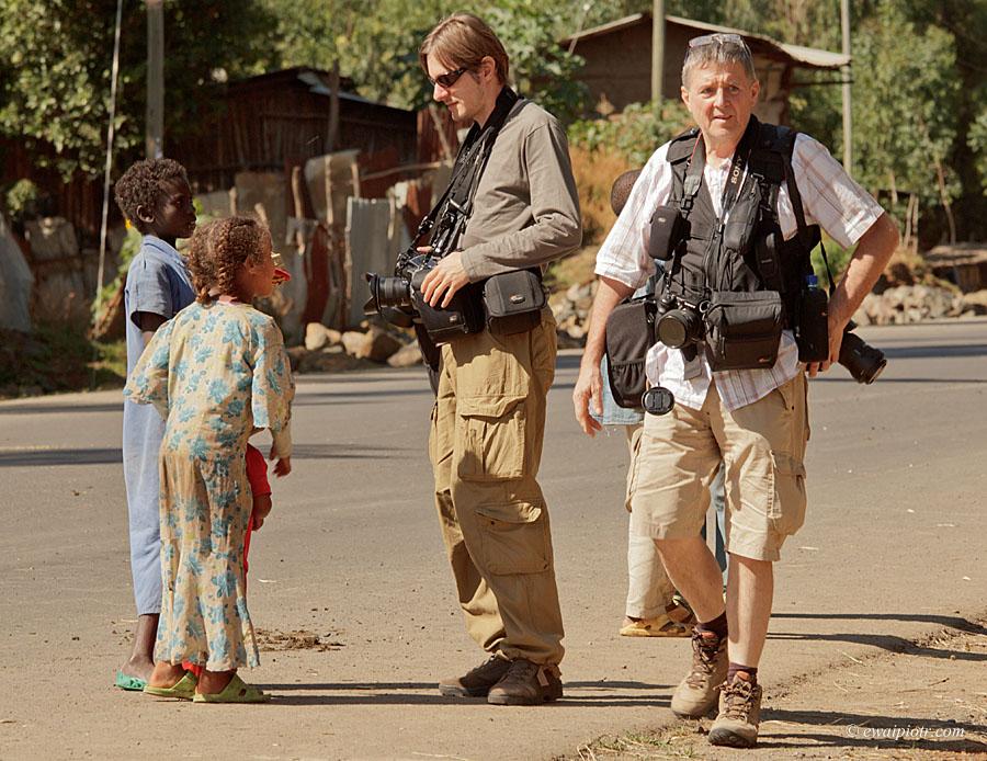 Fotowyprawa do Etiopii - dwóch fotografów z Lowepro S&F