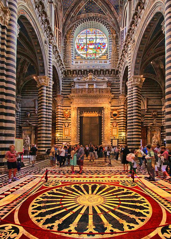 W sieneńskiej katedrze