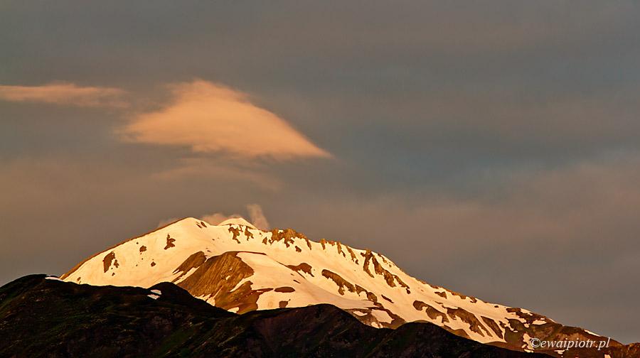 Słońce wschodzi nad Kaukazem