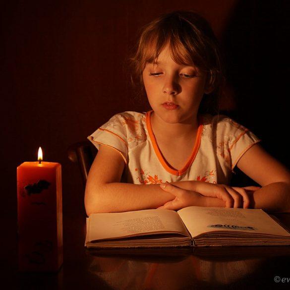 Portret przy świecy