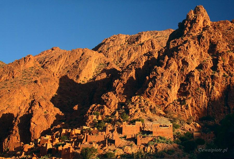 Maroko, góry i kasba, pomarańczowe