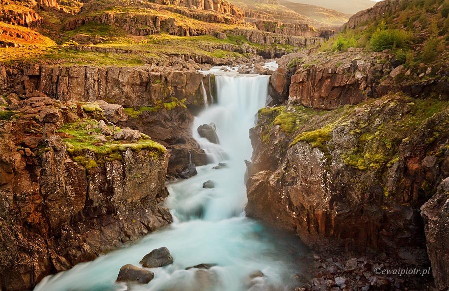 Wodospad Sveinsstekksfoss, Islandia