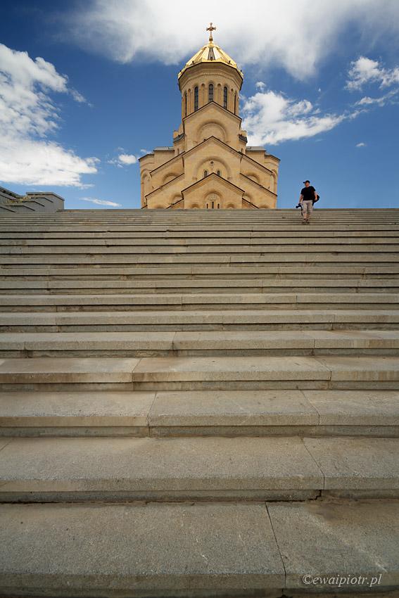 Na schodach w Tbilisi