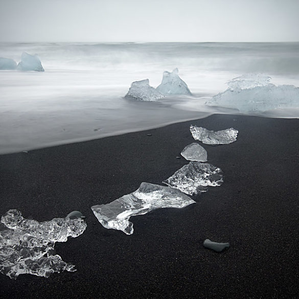 Na islandzkiej plaży Jokulsarlon