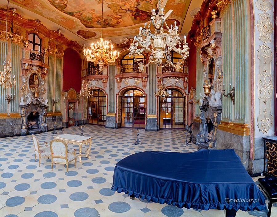 Sala Maksymiliana w Książu