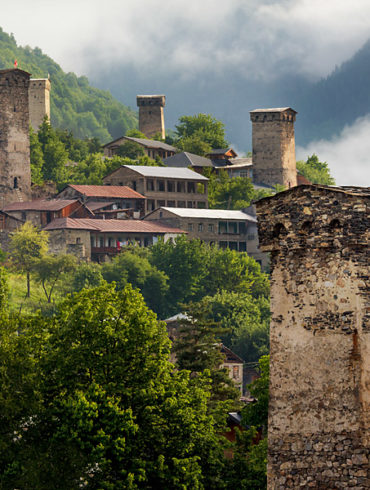 kamienne wieże, Mestia, Gruzja