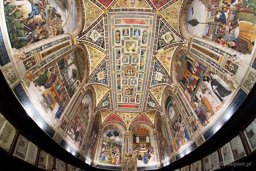 biblioteka Piccolomini w katedrze w Sienie