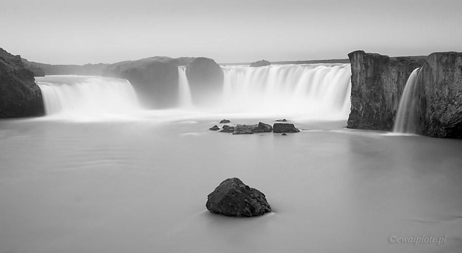 Filtry szare co kupić, Godafoss, Islandia