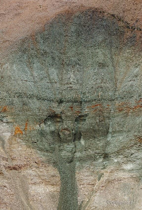 Duch kamiennego drzewa, Islandia