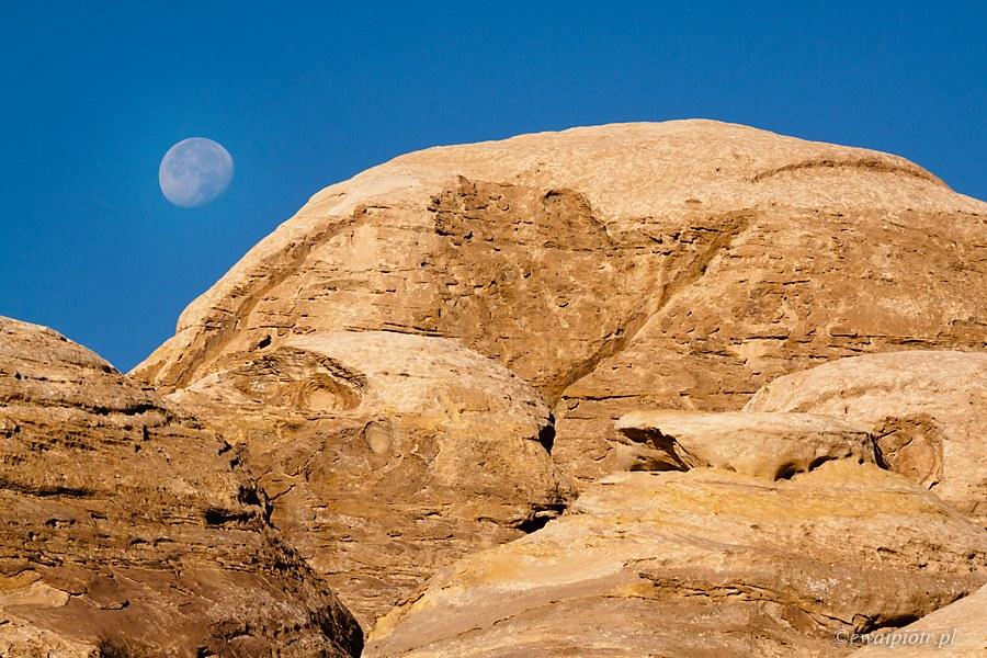 Księżyc nad Petrą, Jordania