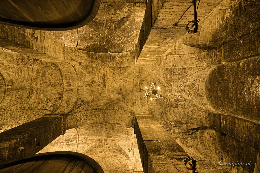 Piwnica z winem w Montepulciano, Toskania