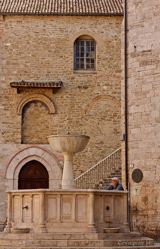 Rynek w Bevagnia, Umbria