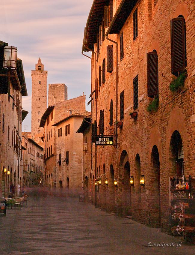 uliczki San Gimignano, Toskania