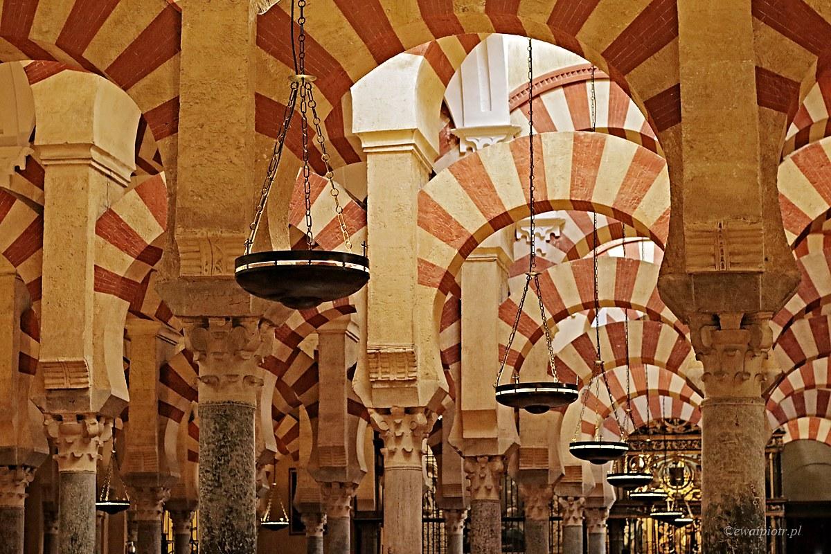 łuki i kolumny Mezquity, Andaluzja