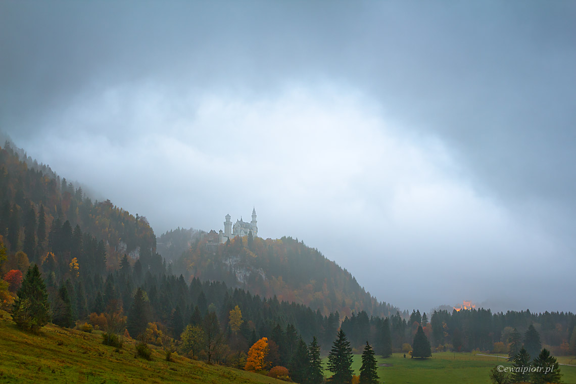 Neuschwanstein we mgle, Bawaria