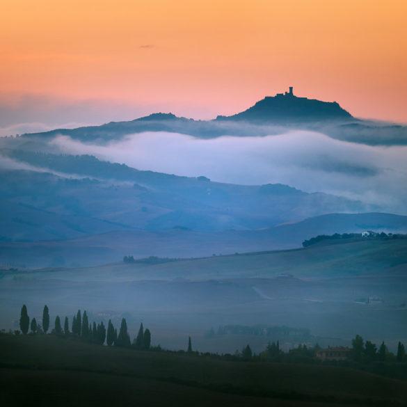 Wzgórza we mgle, Toskania