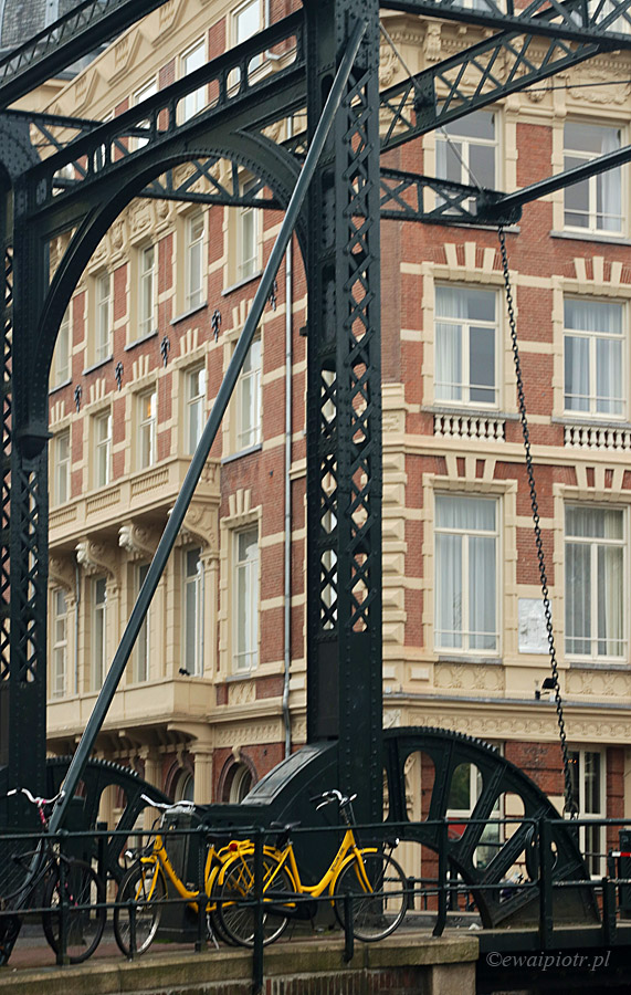 Stary most i rower, Amsterdam, Holandia