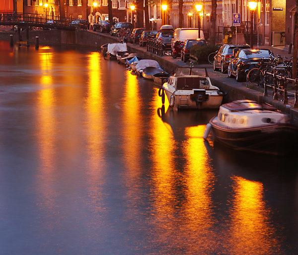 Wieczór nad kanałem, Amsterdam, Holandia