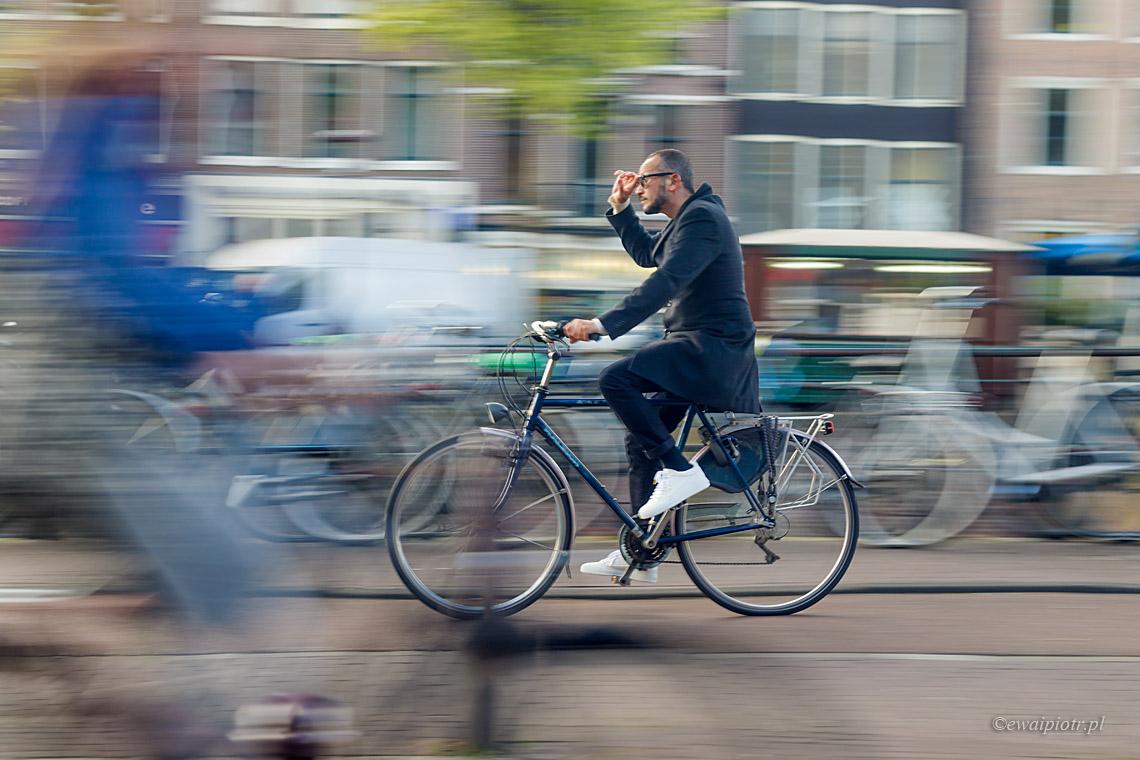 Rowerzysta w Amsterdamie, Holandia