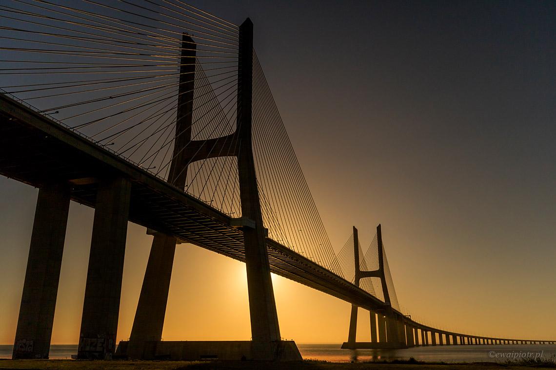 Most Vasco da Gama po wschodzie, Portugalia
