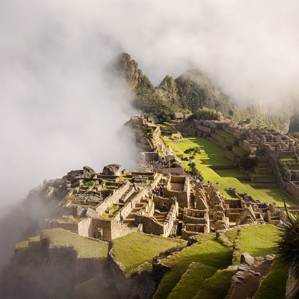 Macchu Pichu we mgle, Peru
