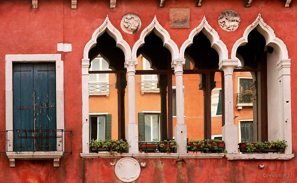 Jaki aparat fotograficzny kupić, Weneckie okna