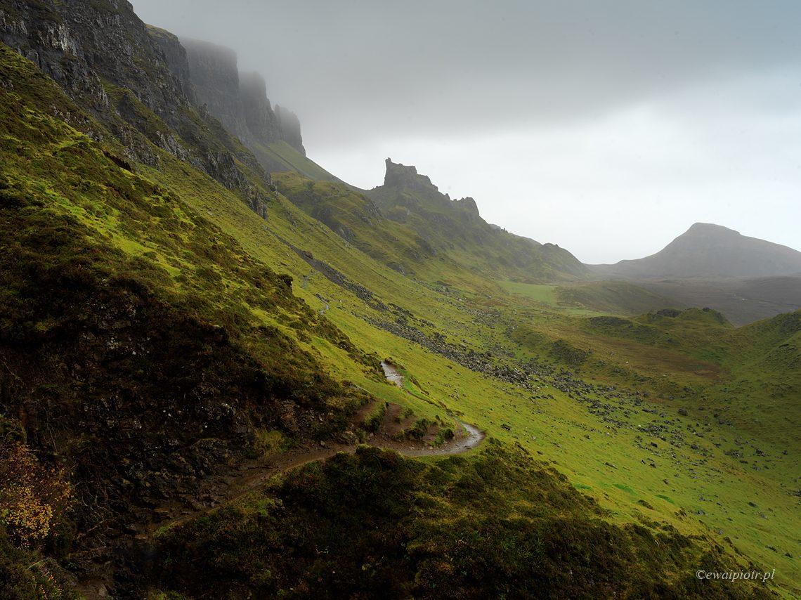 Świt w górach Quiraing, X1D w Szkocji