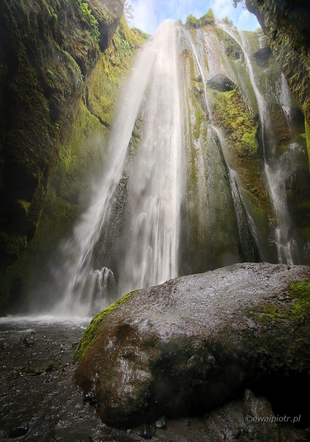 Wodospad Gljufrabui, najpiękniejsze wodospady Islandii