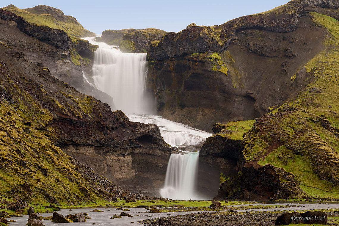 Ofaerufoss, wodospad w dolinie Eldgja, fotowyprawa Islandia