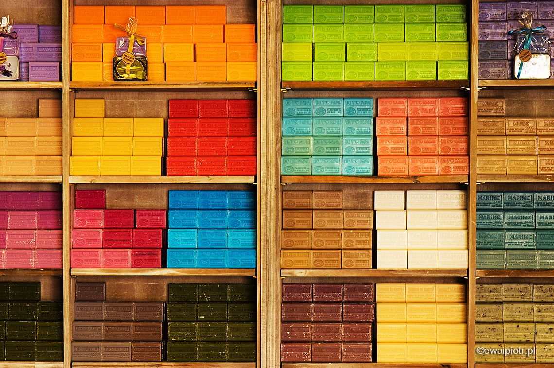 Kolorowe mydełka, kosmetyki, warsztaty fotograficzne w Prowansji