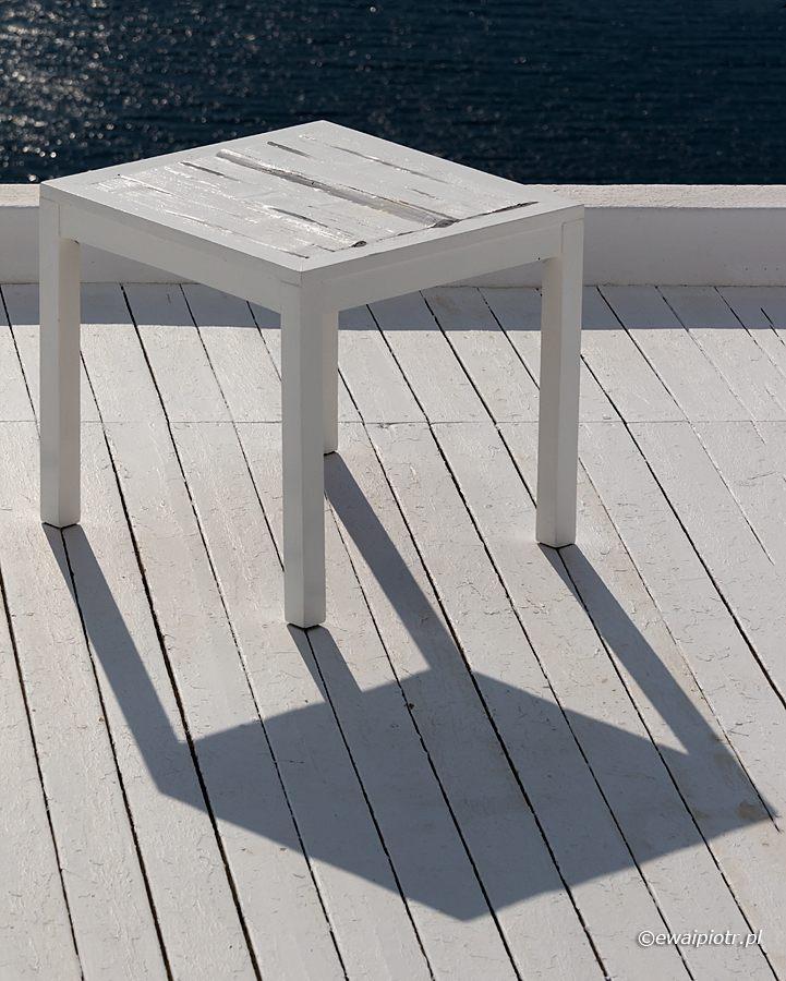Stolik, iluzja, cień, Santorini
