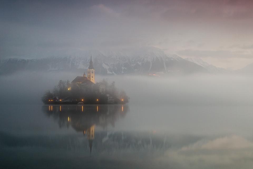 Jezioro Bled, kapliczka na wyspie, fotowyprawa do Słowenii