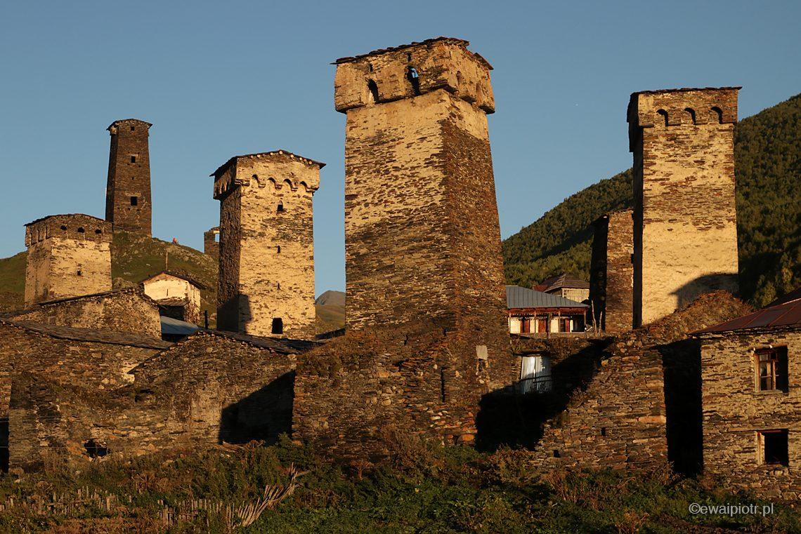 kamienne wieże, Uszguli, fotowyprawa do Gruzji, Kaukaz, Swanetia