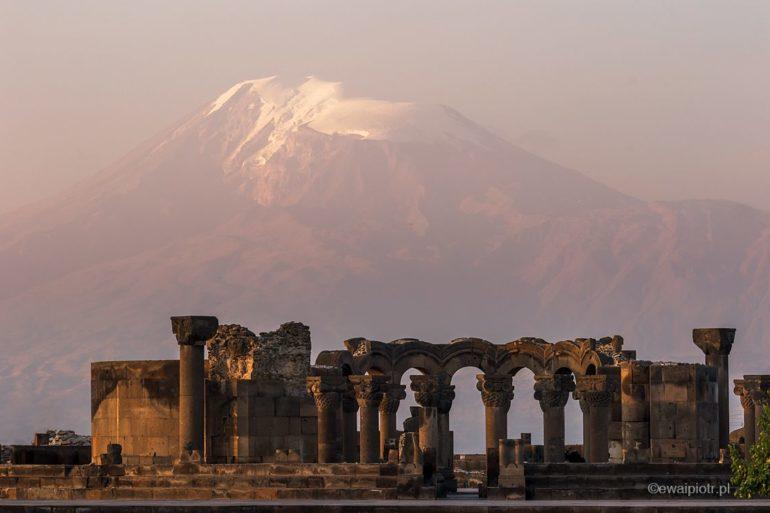 Zvartnost, ruiny katedry, Ararat o wschodzie słońca, fotowyprawa do Armenii