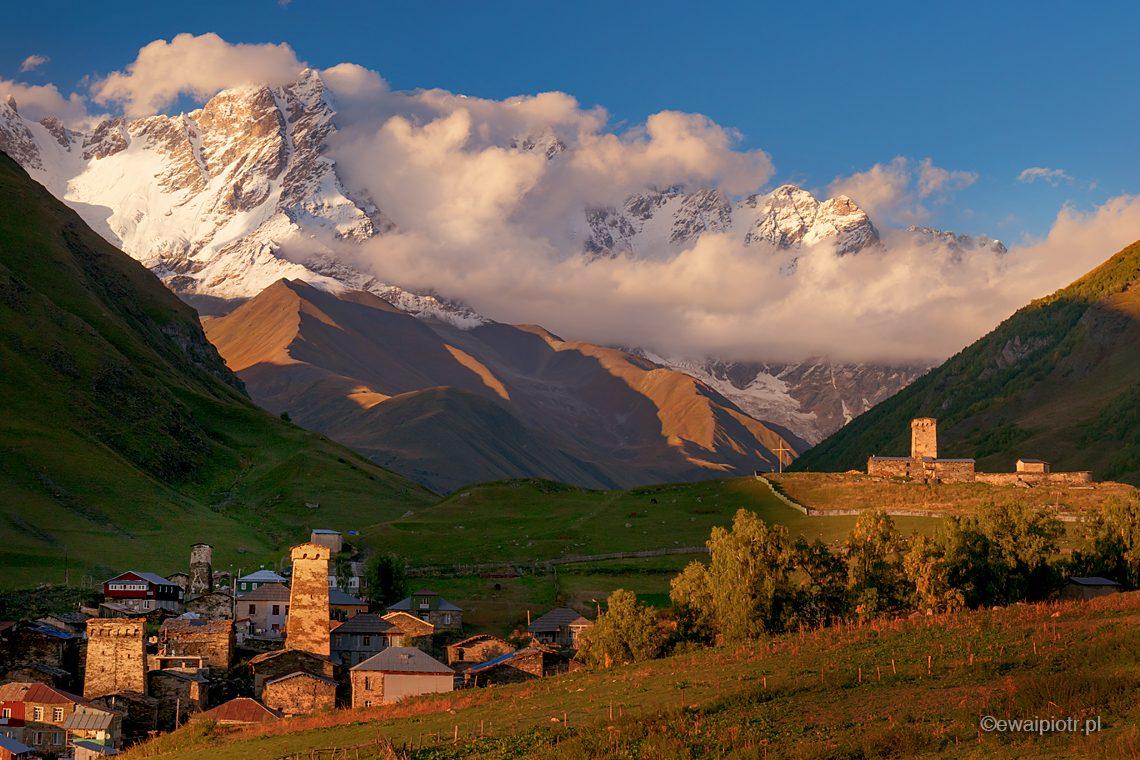 Zachód słońca, Uszguli, Kaukaz, Gruzja, Szchara