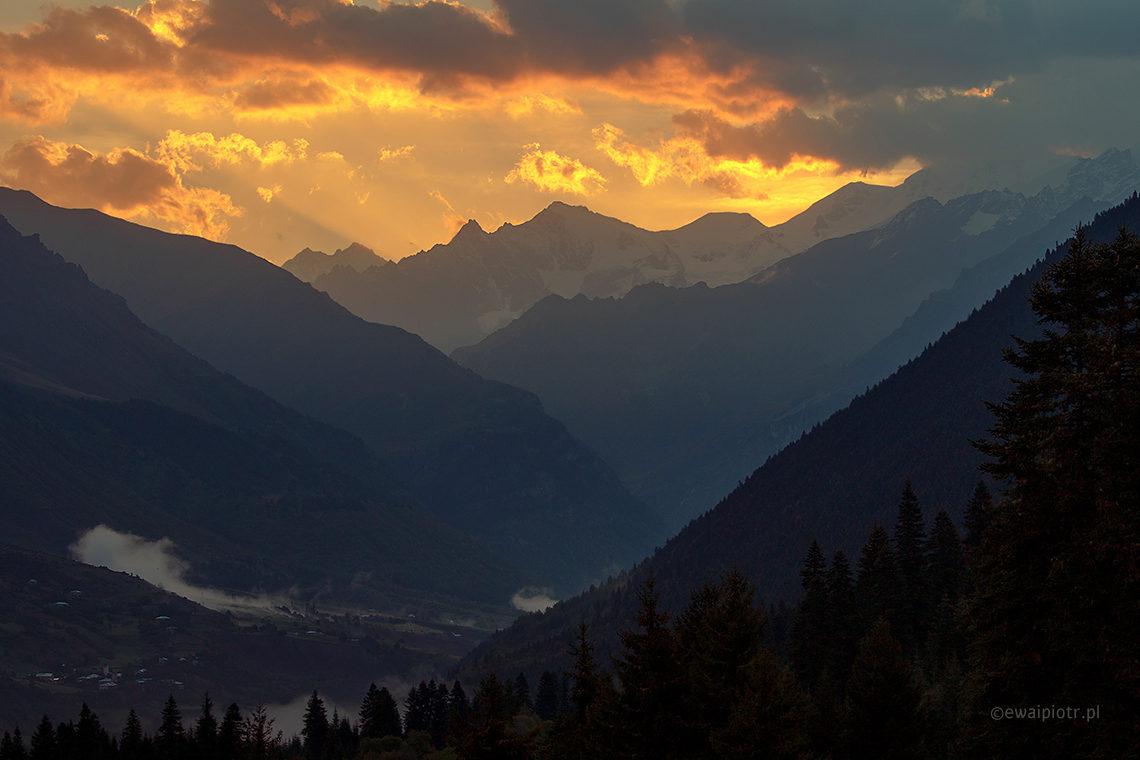 wschód słońca, góry, Gruzja, fotowyprawa