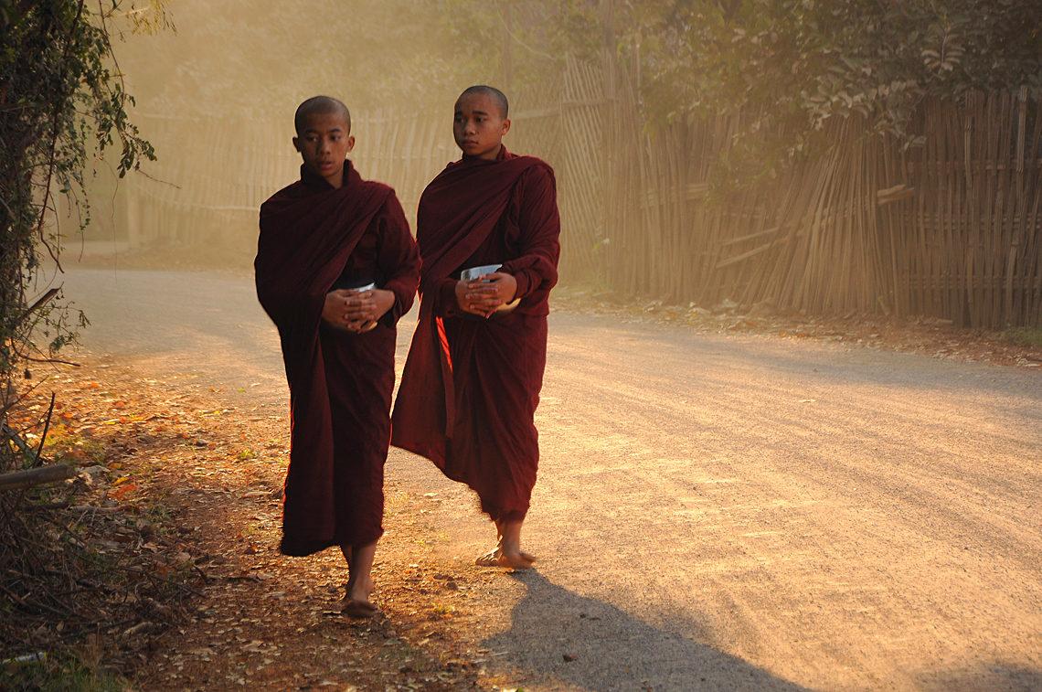 Mnisi buddyjscy, Birma, fot. Ula Kupińska