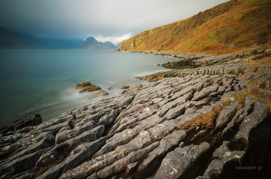 Kamienie na plaży Elgol, Skye, Szkocja, długa ekspozycja
