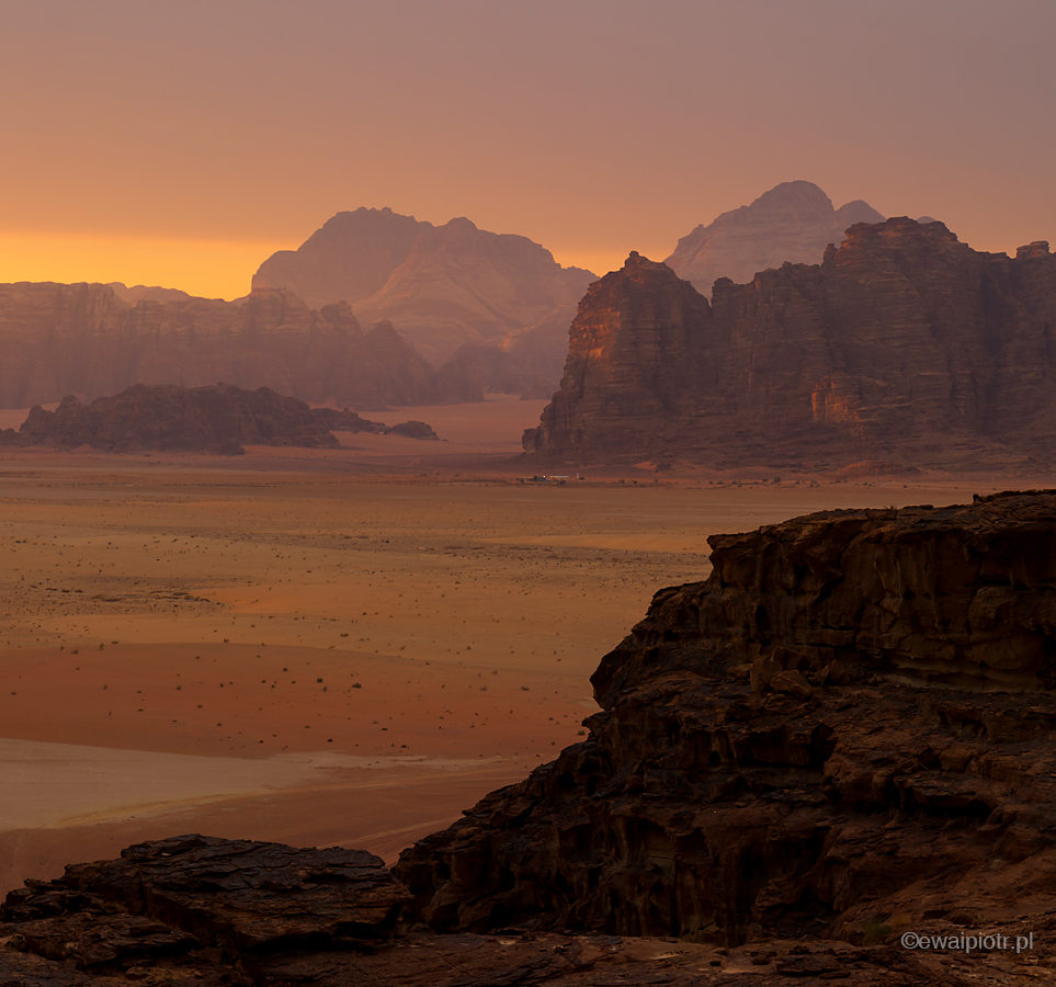 Wschód na Wadi Rum, Jordania