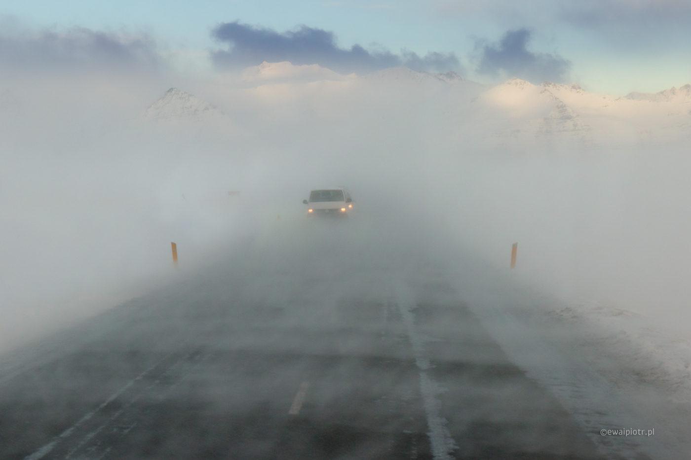 islandzkie drogi zimą