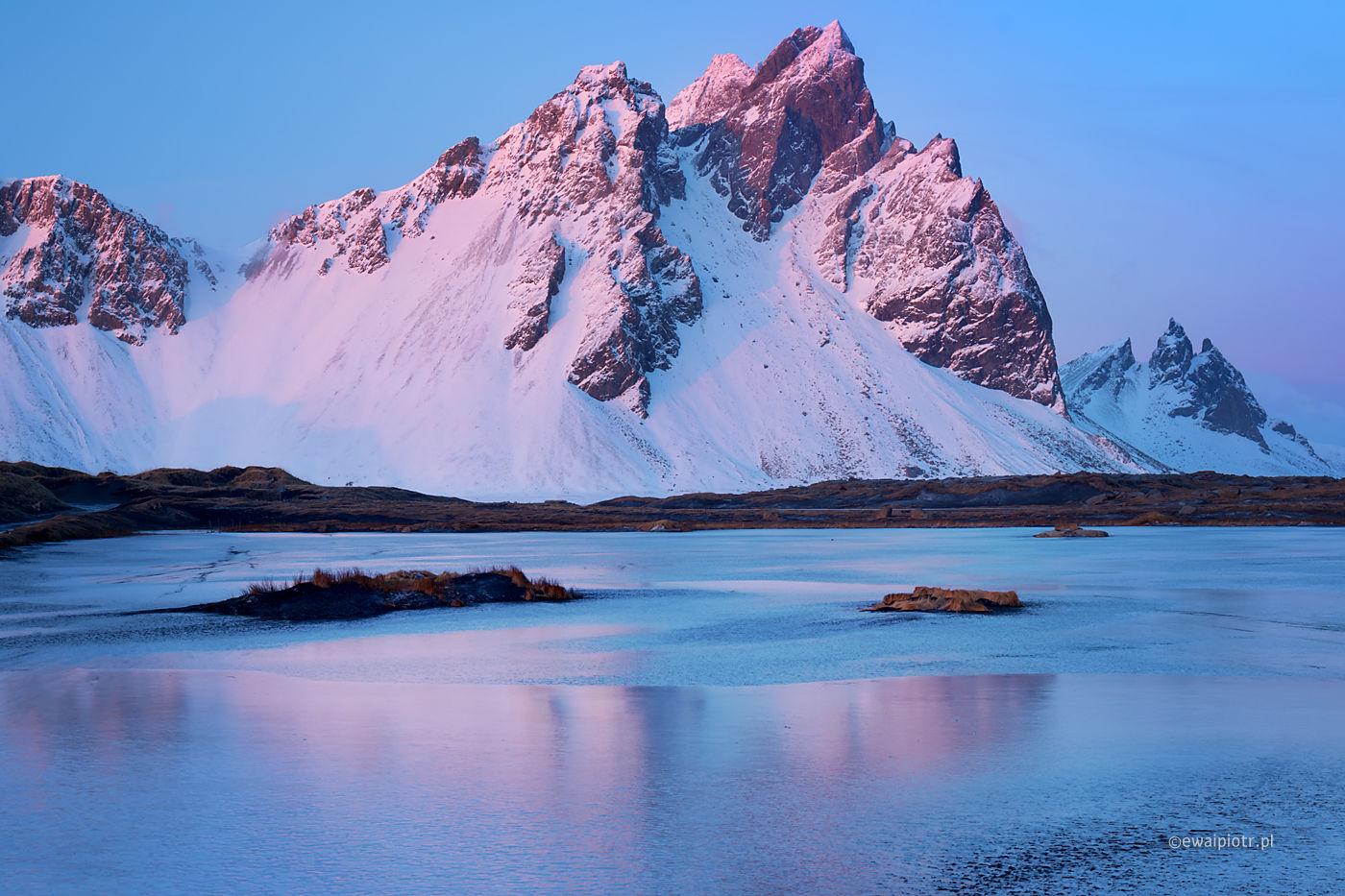 Zimowy wieczór na Vestrahorn, Islandia