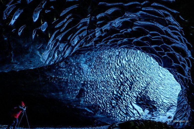 Z lodowcowej jaskini, fotowyprawa Islandia
