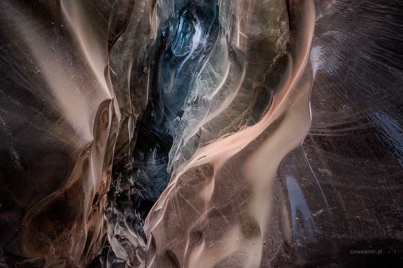 W lodowcowej jaskini, fotowyprawa Islandia, lodowa jaskinia