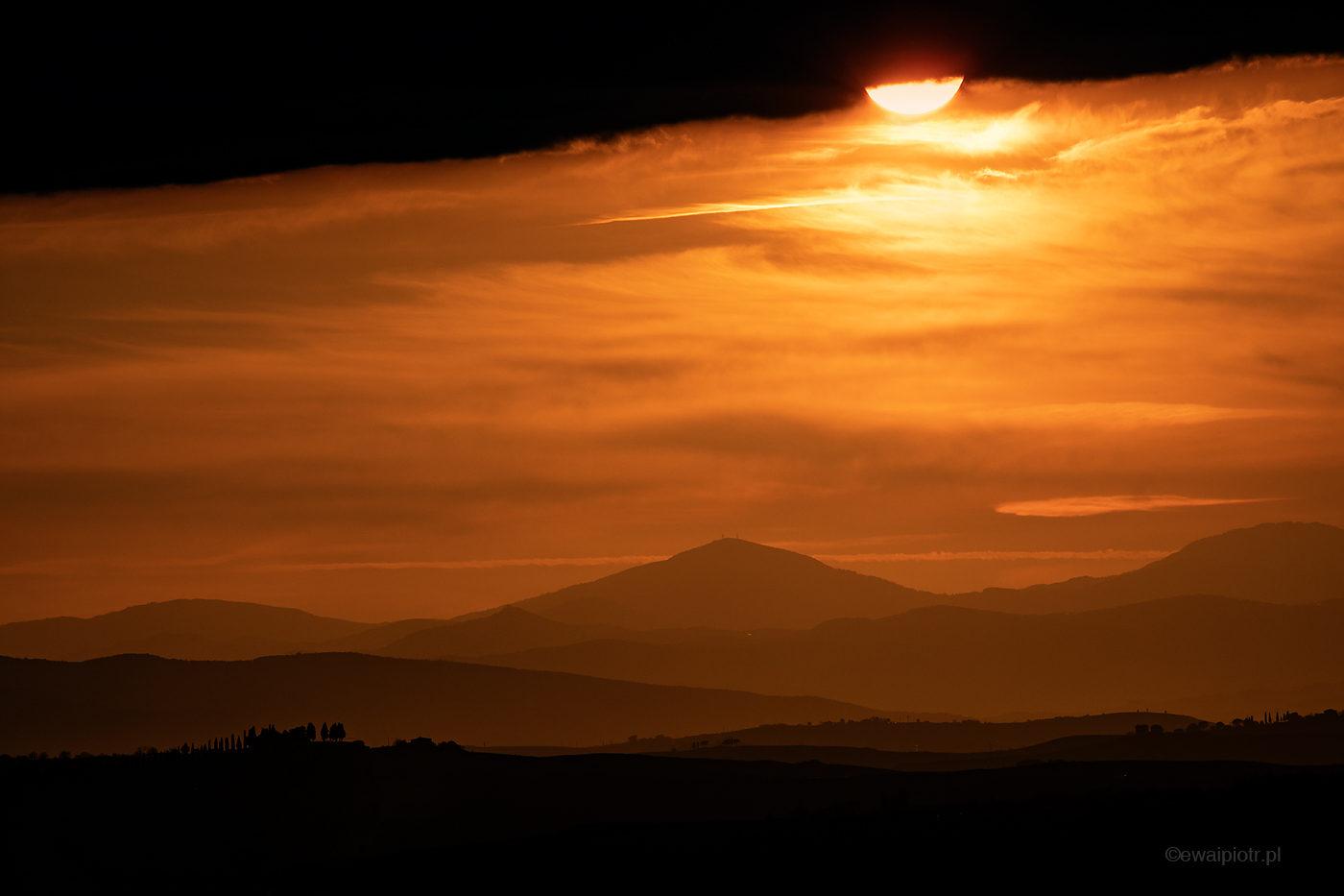 Zachód słońca nad Monticchiello, Toskania, fotowyprawa