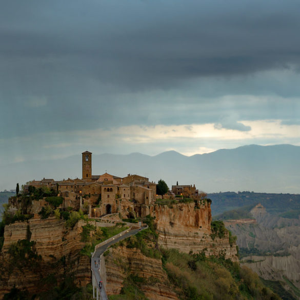 Civita di Bagnoregio w deszczu, Toskania, fotowyprawa