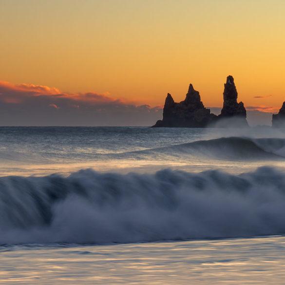 Fale i Reynisdrangar, Islandia