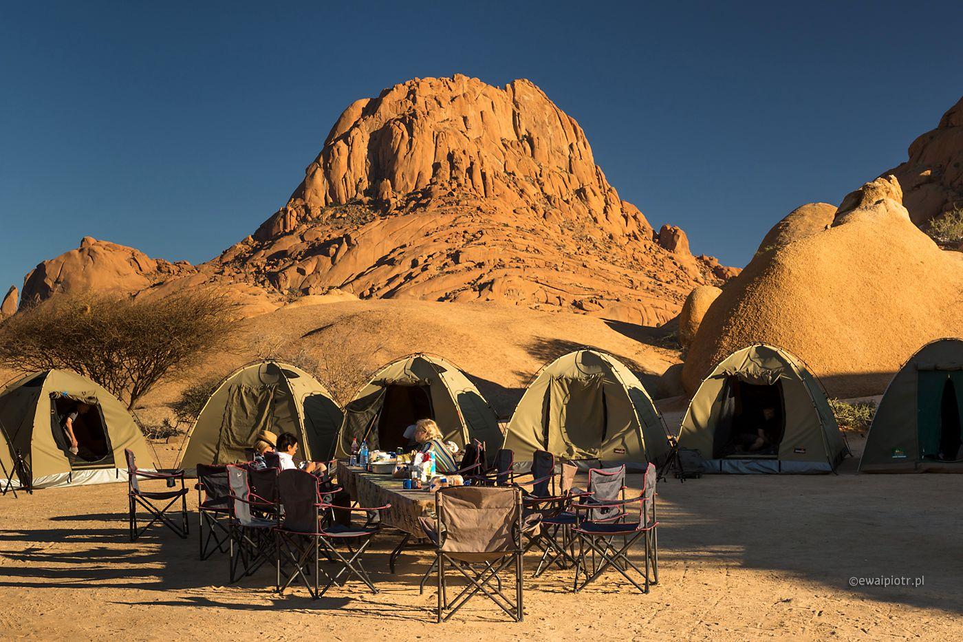 Obóz pod Spitzkoppe, Namibia