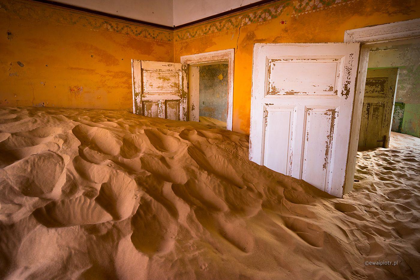 W Kolmanskop, Namibia