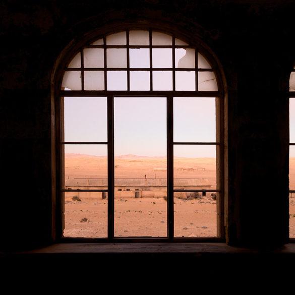 Okno na Kolmanskop, Namibia
