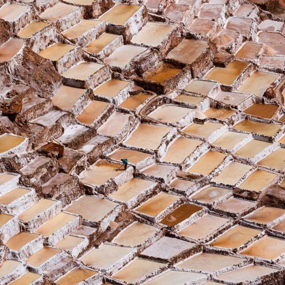 Mozaika z soli i błota, solnisko w Peru